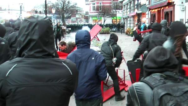 MaxBryan-Demo-Hamburg-SnapShot1sm21-snapshot51-2-1024x