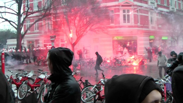 MaxBryan-Demo-Hamburg-sshot1sm21-T2-51-1024x