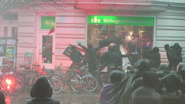 MaxBryan-Demo-Hamburg-sshot1sm21-T3-9-1024xCC