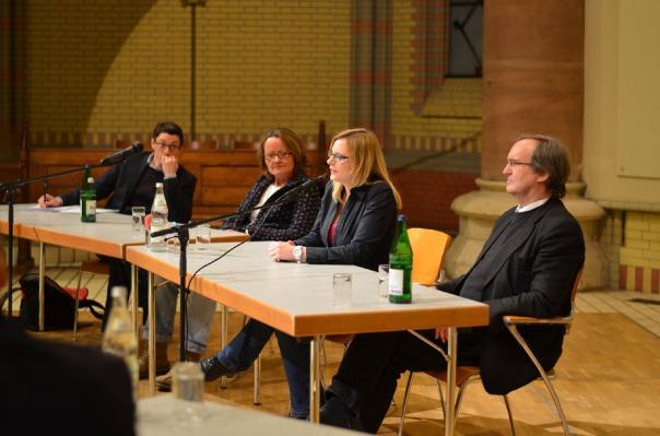 15-MaxBryan-Debatte-Kirche-169--1024x