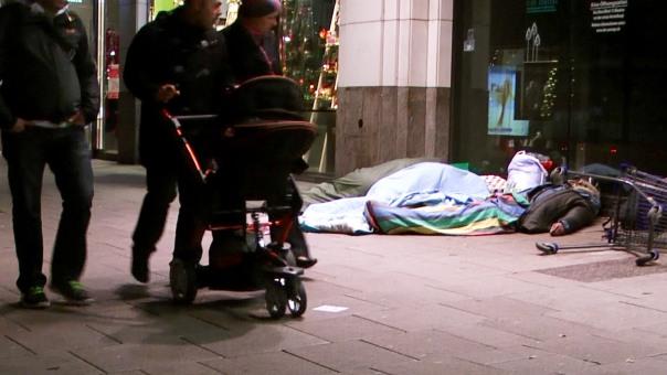04-MaxBryan-Obdachlose-Weihnachten-card1sm22-snapshot-393-1920x