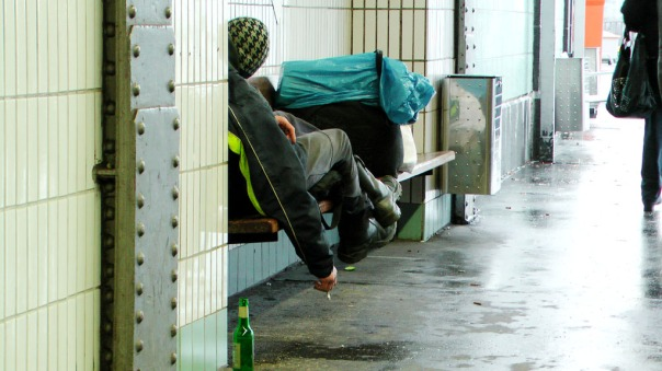 05-MaxBryan-Obdachlose-Hamburg-Smile-S4250005-1024x