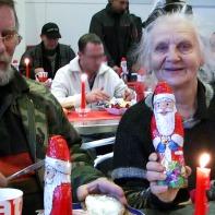 Elsa mit Weihnachtsmann ... hat sie sehr gefreut