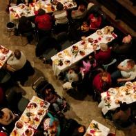 Weihnachtsessen in der Hamburger St. Petri Kirche