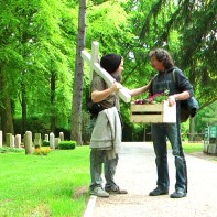 Detlef, Andy´s bester Freund. Hier beim Aufstellen des Kreuzes im Mai 2014.
