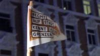 Die Flagge im Sturm ... --> https://www.facebook.com/notes/max-bryan/hamburg-nach-der-gewalt-suche-nach-dialog/735352239816027