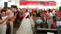 Einzug der Rosenkönigung bei der Eröffnungsfeier zum Steinfurther Rosenfest 2014
