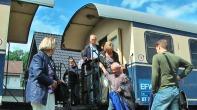 Die historische Eisenbahn bringt Gäste wie vor 100 Jahren...