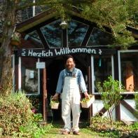 Mein erster Arbeitstag im Frühjahr 2012 --> https://www.facebook.com/media/set/?set=a.986190014732155.1073741830.161102710574227&type=3