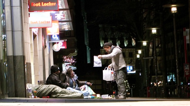 17-maxbryan-obdachlose-hamburg-card1sm22-snapshot-397-1920x