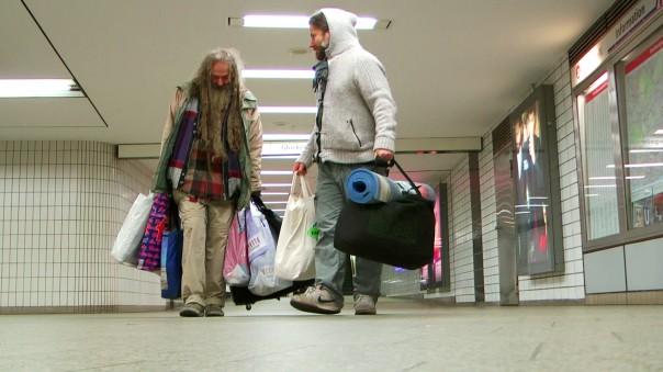 20-einherzfuerklaus-obdachlose-maxbryan-snapshot-1sl13-1sm12-677-1920x-kopie-kopie